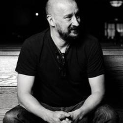 Download Clint Mansell ringetoner gratis.